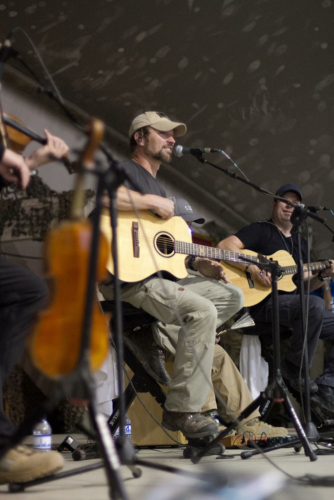 Craig Morgan performs for the troops